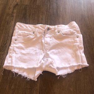Girls' Levi white jean shorts